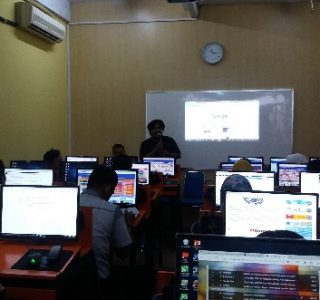 Peserta dari perwakilan fakultas, biro,lembaga se UMSUsedang mengikuti pelatihan pengelolaan Website