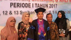 arie bersama keluarga